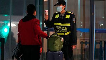 Kontrola temperatury na lotnisku w Wuhan. Chiny 21 stycznia 2020