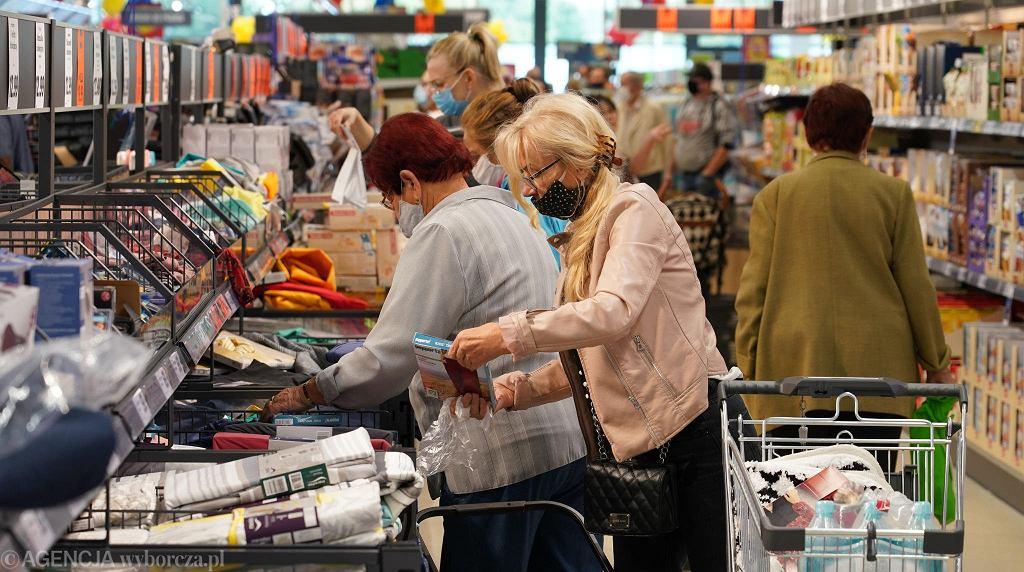 Lidl sprzedaje modną kurtkę za mniej niż 80 zł (zdjęcie ilustracyjne)
