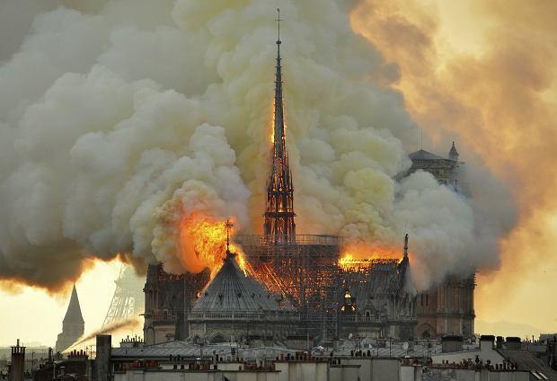 Pożar paryskiej katedry Notre Dame, 15 kwietnia 2019 r.
