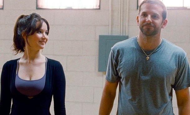 Jennifer Lawrence i Bradley Cooper w 'Pamiętniku pozytywnego myślenia': para wariatów stworzyła zdrowy związek