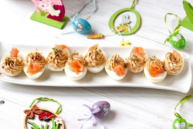 Jajka wielkanocne - przepisy na świąteczne przystawki, które posmakują nawet dzieciom