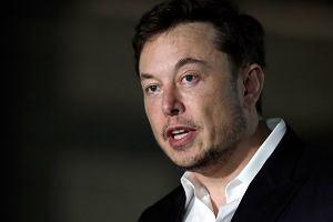 Tesla prosi swoich dostawców o ratunek i oddanie części pieniędzy