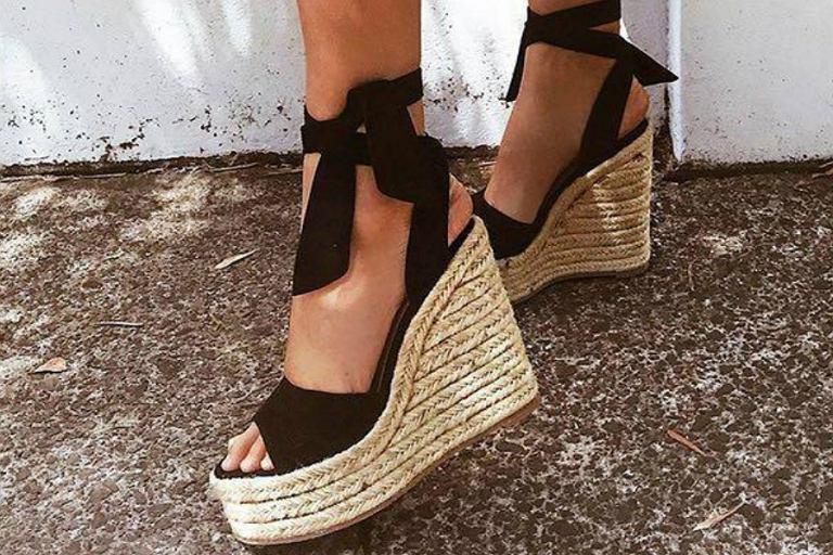 a291522f605979 Wygodne buty na koturnie na sezon wiosna-lato. Wiele modeli.
