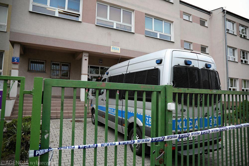 PSzkola Podstawowa numer 195 w Warszawie , w ktorej uczen zaatakowal kolege nozem