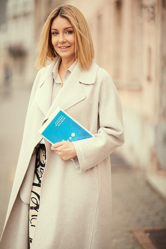 Małgorzata Rozenek-Majdan z książką 'In vitro'