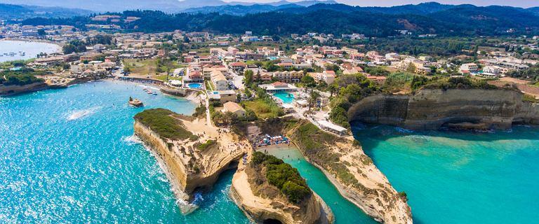Ta grecka wyspa jest najbardziej pożądanym miejscem na urlop. Oferty Last Minute już od 1500 zł!