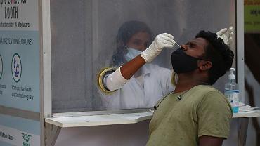 17.03.2021 Indie, Hyderabad. Punkt pobierania wymazów do testów na koronawirusa