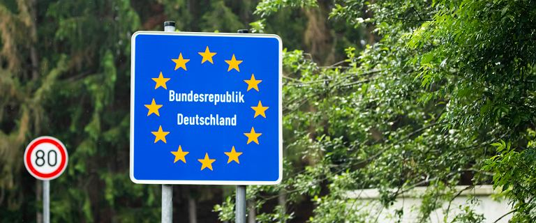 Austria. Zakaz zjazdu z autostrad w Tyrolu. Kilometrowe korki i oburzenie Niemców