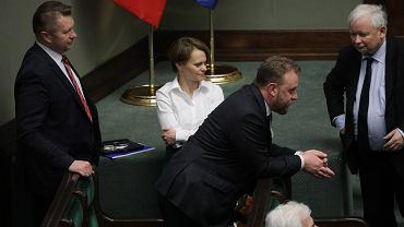 Prezes PiS Jarosław Kaczyński i minister zdrowia Łukasz Szumowski po głosowaniu nad wotum nieufności dla ministra zdrowia. Warszawa, 4 czerwca 2020
