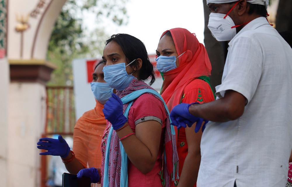 Indie: u pacjentów covidowych stwierdzono rzadką infekcję, która grozi ślepotą