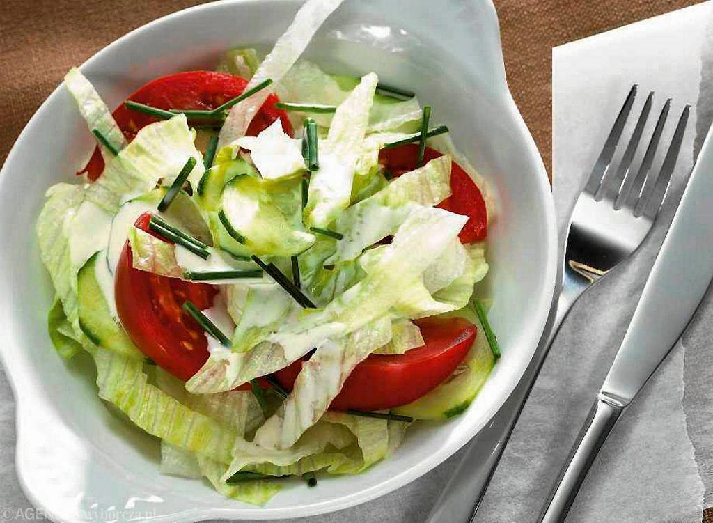 Sałatka amerykańska z pomidorów i ogórków