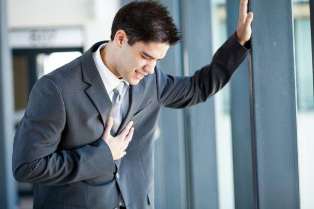 BÓL W KLATCE PIERSIOWEJ nie musi oznaczać zawału, ale nie tylko on okazuje się groźny dla życia