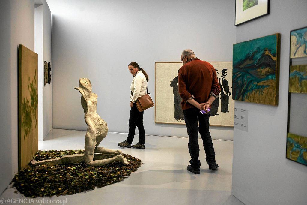 Wystawa zbiorowa malarstwa i rzeźby 'WPROST 1966-1986'  / Wystawa zbiorowa malarstwa i rzeźby 'WPROST 1966-1986' Fot.KUBA OCIEPA