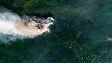 Satelitarne zdjęcie przedstawiające pożar w Shovel Creek na północny zachód od Fairbanks na Alasce.