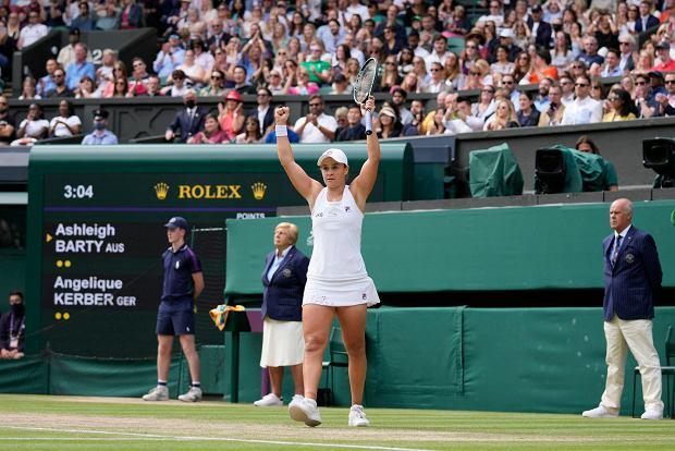 Poznaliśmy pierwszą finalistkę Wimbledonu. Przegrywała już 2:5. Historyczny wyczyn
