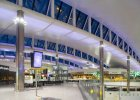 LOT na królewskim terminalu lotniska Heathrow. Byliśmy tam. Robi wrażenie!