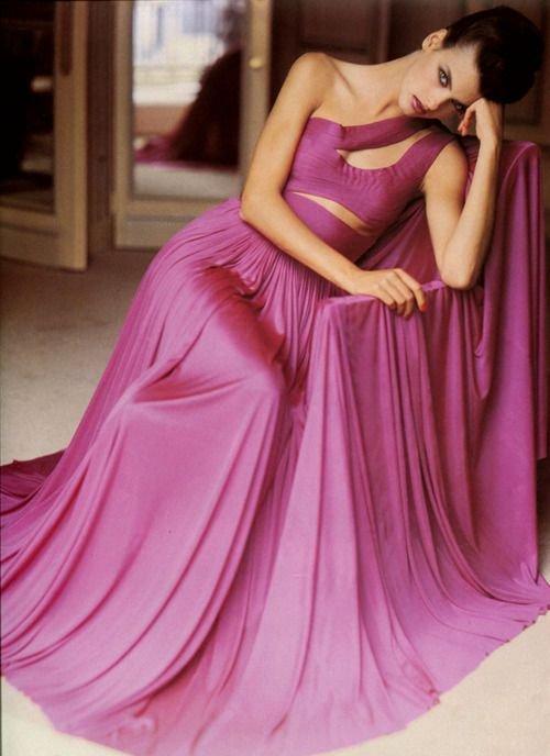 Linda Evangelista pierwszy raz w Vogue Paris, wrzesień 1985