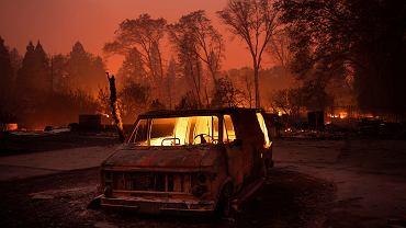 Pożar w Kalifornii. Wg raportu amerykańskich agencji rządowych zmiany klimatu już teraz przyczyniają się do katastrof, takich jak pożary lasów