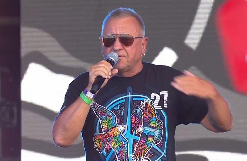 Jurek Owsiak otworzył Pol'and'Rock. Tłum zaczął skandować 'j***ć PiS'