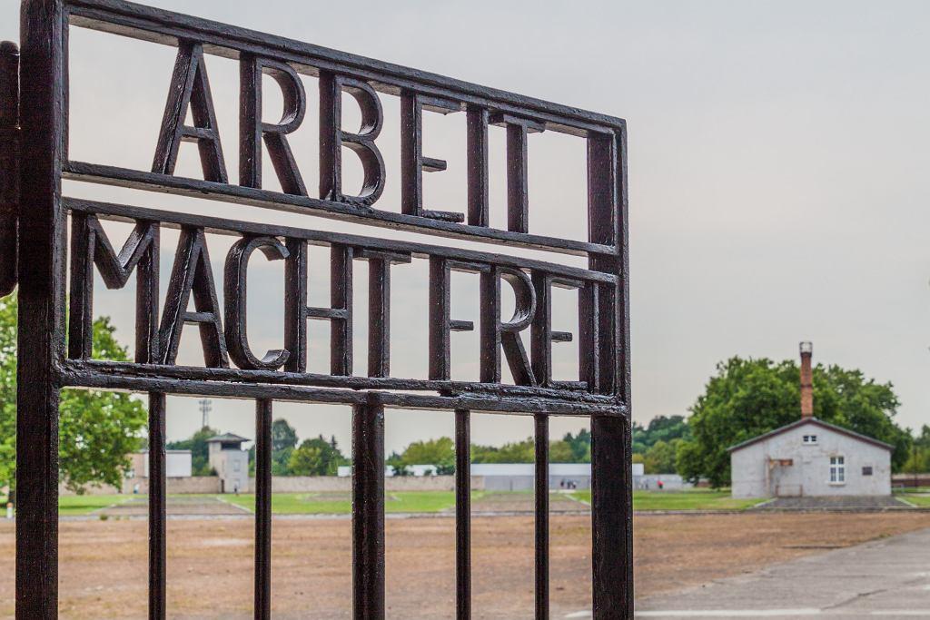 Wejście do obozu Sachsenhausen.