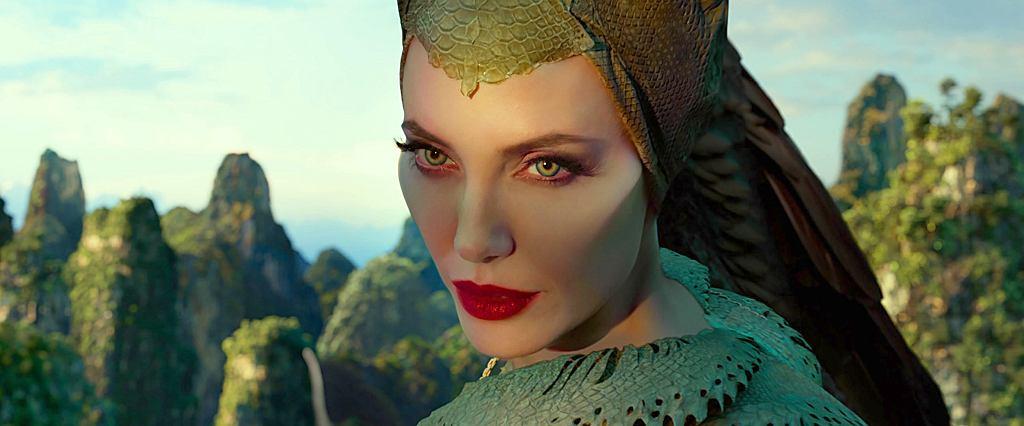 Angelina Jolie powraca w roli Diaboliny. W 'Czarownicy 2' dla aktorki szczególnie ważny jest wątek bliskiej relacji matki z niebiologiczną córką