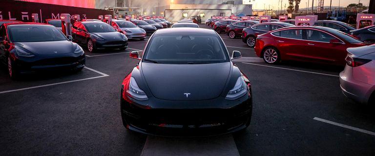 Tesla chce oferować autonomiczne