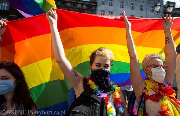 """CNN opublikowało reportaż o LGBT w Polsce. """"To polowanie na czarownice. Jesteśmy wrogiem publicznym"""""""