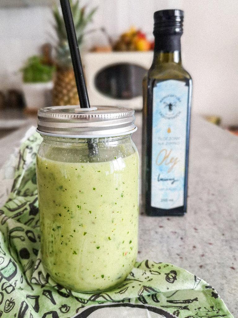 Zielony koktajl z olejem lnianym