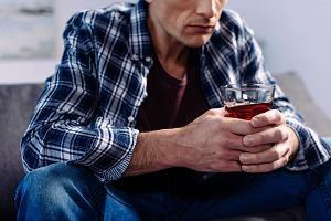 """Ojciec alkoholik: """"Nie udawało się to moje ojcostwo. Rozpadałem się na kawałki"""". List do redakcji"""