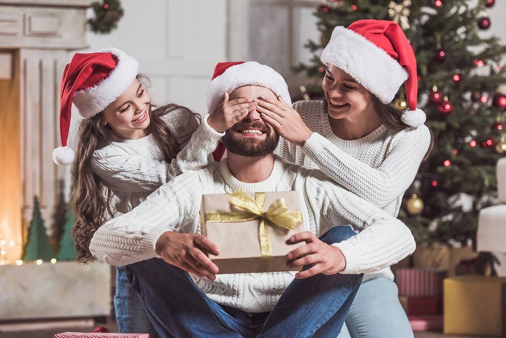 Co kupić na prezent na święta dla taty? Podpowiadamy.