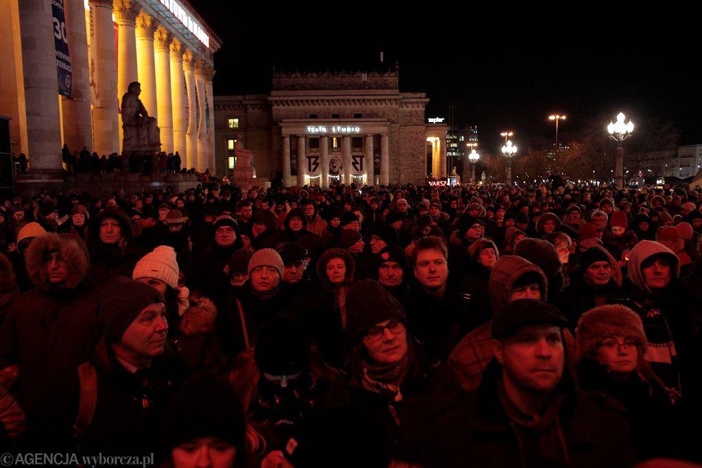'Stop Nienawiści' - marsz w hołdzie prezydentowi Gdańska Pawłowi Adamowiczowi w Warszawie.