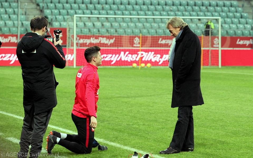 Robert Lewandowski i Zbigniew Boniek, szef PZPN podczas treningu reprezentacji przed meczem z Nigerią; marzec 2018 r.