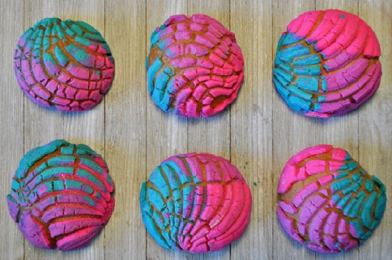 Unicorn concha - tęczowe bułeczki