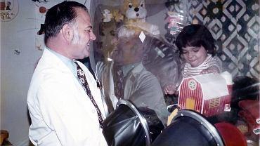 David Vetter w plastikowej komorze, w której spędził całe swoje życie