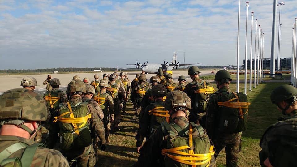 Żołnierze 6. Brygady Powietrznodesantowej