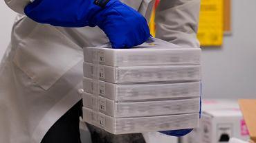 Choć w najlepsze szczepią się już Amerykanie, Brytyjczycy i Kanadyjczycy, Europejska Agencja Leków planuje zatwierdzić szczepionkę Pfizer-BioNTech za pięć dni.