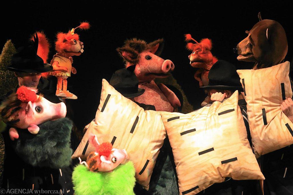 Spektakl 'Obcy w lesie' w Teatrze Guliwer / JACEK MARCZEWSKI