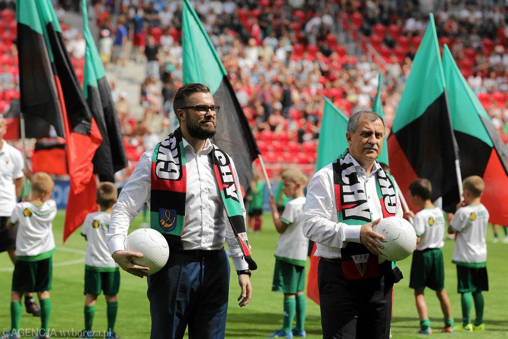 Otwarcie stadionu w Tychach. Prezes GKS-u Grzegorz Bednarski i prezydent miasta Andrzej Dziuba