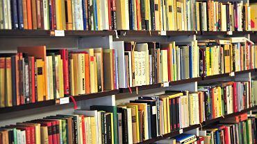 Z zestawu lektur szkolnych zniknęły dzieła Imrego Kertésza, węgierskiego pisarza ocalałego z Holocaustu, który w 2002 r. dostał Literacką Nagrodę Nobla.