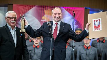 Antoni Macierewicz, Jan Pietrzak