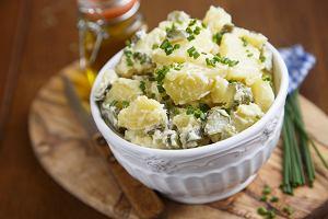 Sałatka ziemniaczana na grilla, piknik, do obiadu - sześć prostych przepisów
