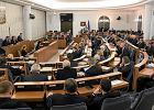 Senat pichci budżet '2016. O. Rydzyk czeka