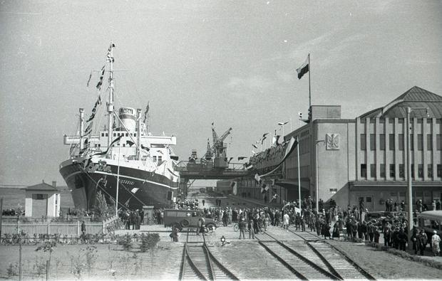 Zdjęcie numer 3 w galerii - Dworzec Morski w Gdyni skończył 85 lat. Zobacz, jak się zmieniał [ARCHIWALNE ZDJĘCIA]