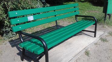 Pan Michał kupił żonie ławkę w Parku na Zdrowiu