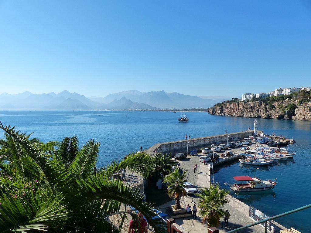 Turyści w tym roku na urlop najchętniej wybierają Riwierę Turecką