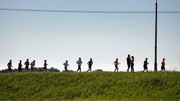 Epidemiolog o luzowaniu obostrzeń: Uprawianie sportu to generowanie niepotrzebnych interakcji