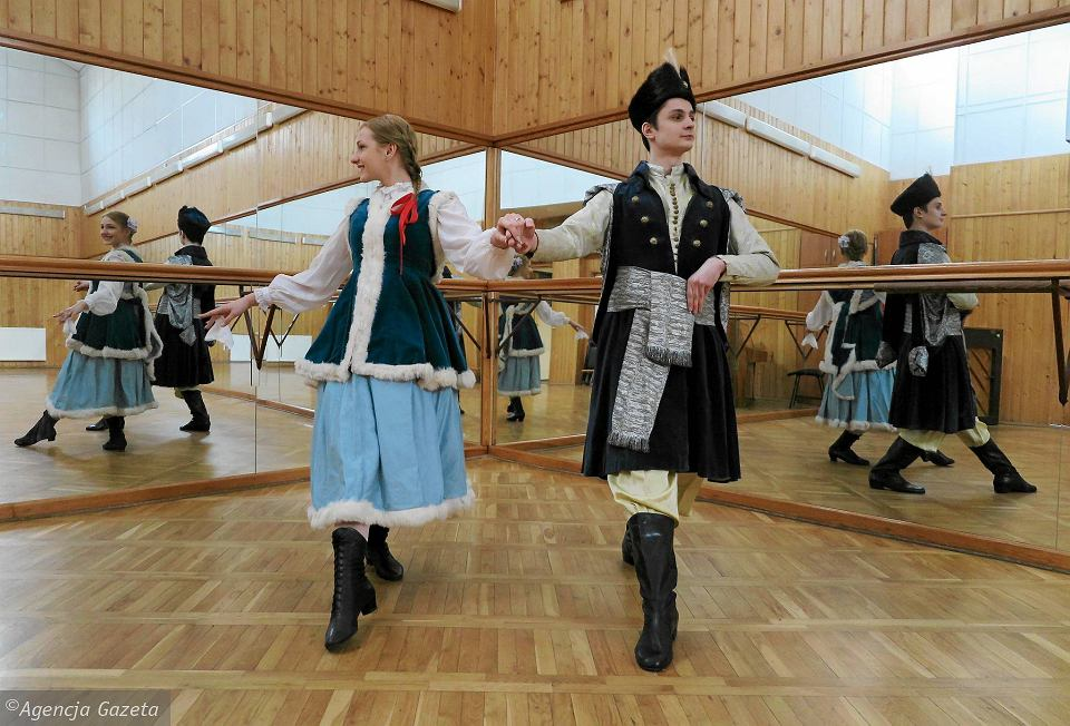 'Poloneza Płockiego' zatańczą też tegoroczni maturzyści z III LO Ewelina Chmielewska i Piotr Amrozy. Oboje są wychowankami Dzieci Płocka