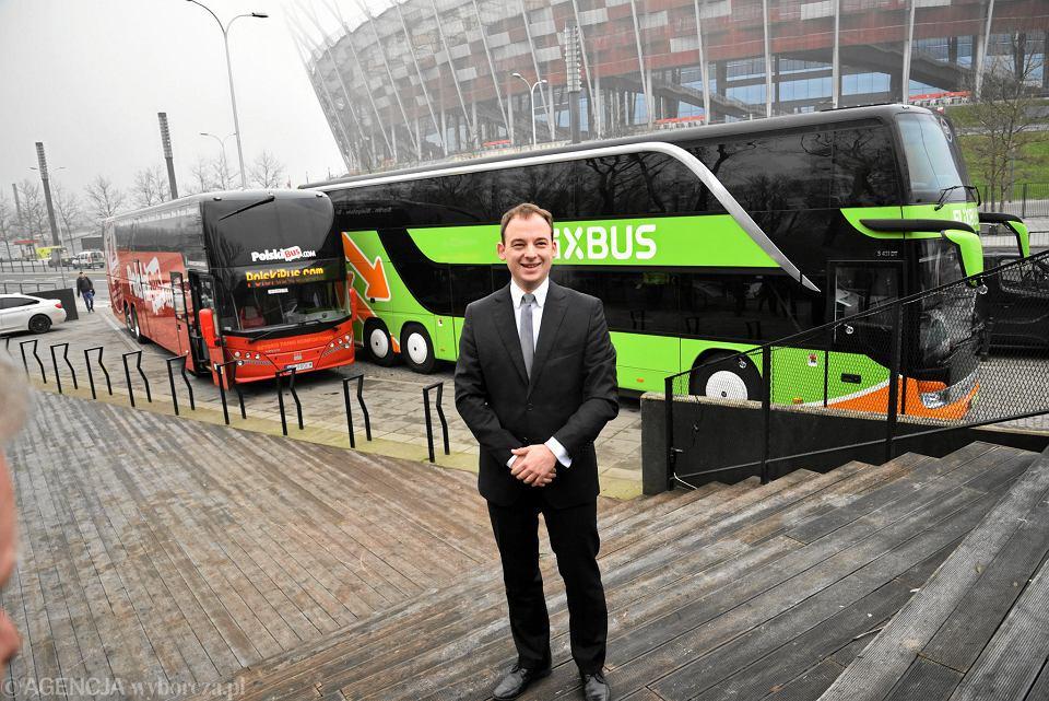FlixBus wchodzi do Polski. Marka Polski Bus za kilka miesięcy zniknie z rynku. Na zdjęciu szef FlixBusa w Polsce, Michał Leman