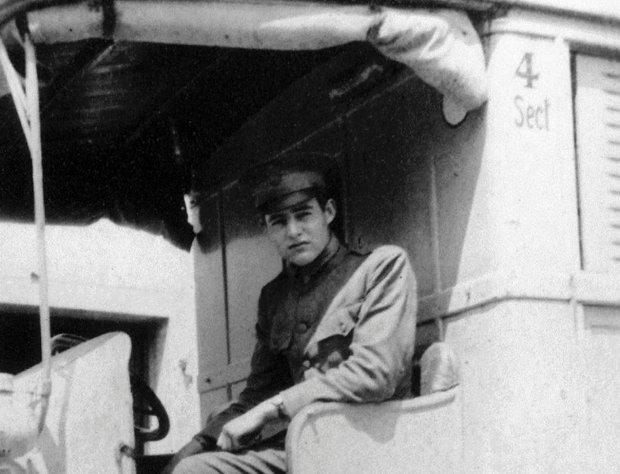W ambulansie amerykańskiego Czerwonego Krzyża (Włochy 1918r.)