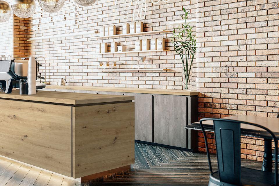Drewniany blat kuchenny w kolorze jasnego dębu.